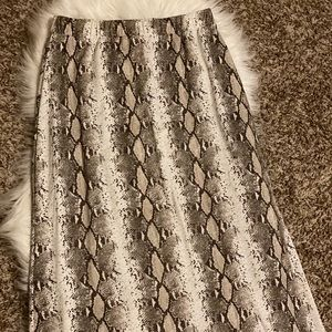 Boutique Cy Fashion Snakeskin Print Maxi Skirt, M